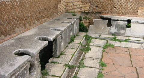 ancient roman bathrooms - To ancient Romans, the practice of sitting on a shared toilet in an open room full of people was entirely ordinary.